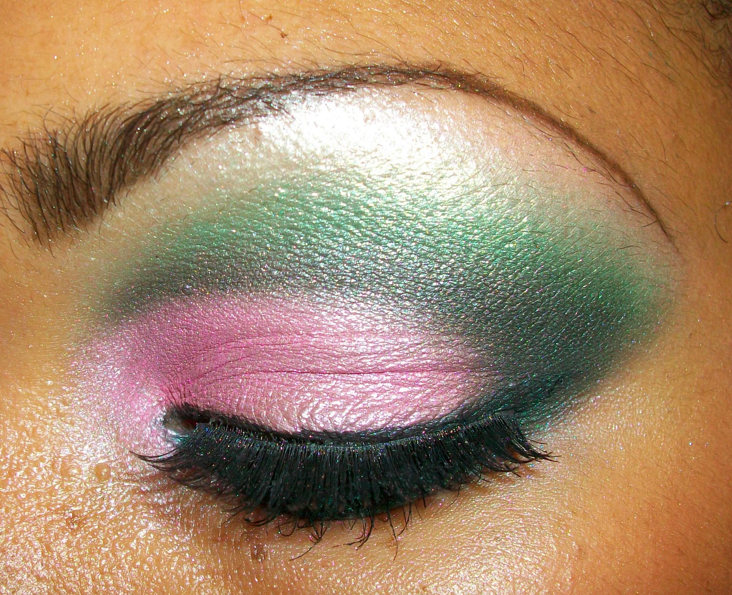 Розовый с зелёным макияж фото