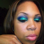 Makeup Tutorial: How To Wear Bold Blues & Green Eyeshadows